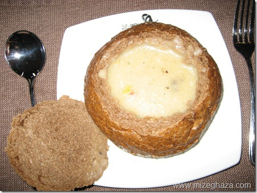 سوپ قارچ در نان